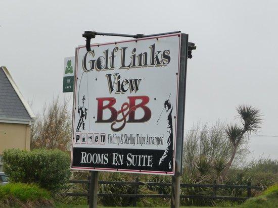 Golf Links View : panneau b&b sur la route