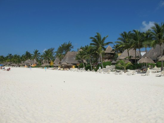 Mahekal Beach Resort: Strand