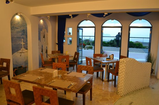 Sealuv Homestay: The Cafe facing the sea