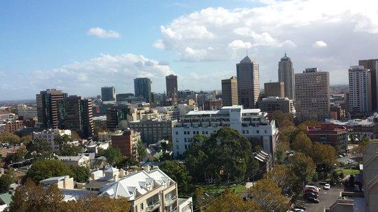 Cambridge Hotel Sydney: View from 13th floor balcony