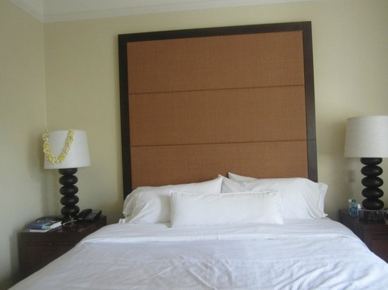 Moana Surfrider, A Westin Resort & Spa: king size bed
