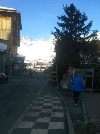 Hotel Le Gentiana: Mountains here we come!