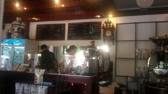 Mia Coffee : coffee counter @Mia
