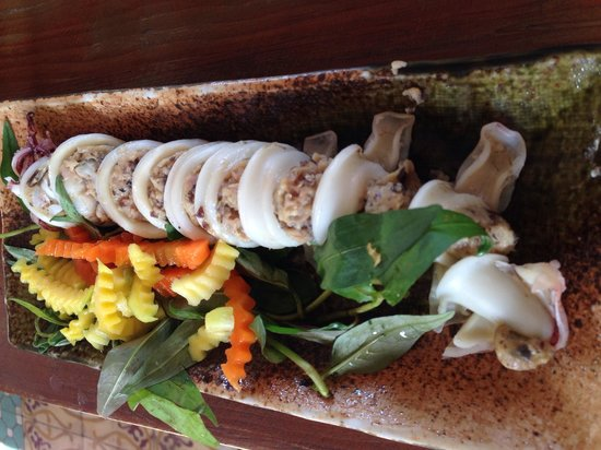 Secret Garden Home-cooked Vietnamese Restaurant: Squid stuffed with salted egg