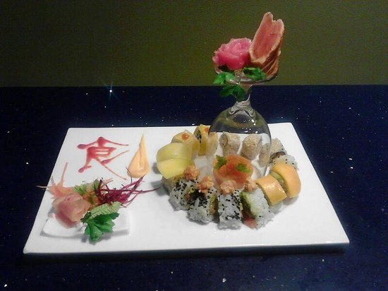 Live Aqua Beach Resort Cancun: sushi with Jonathan!