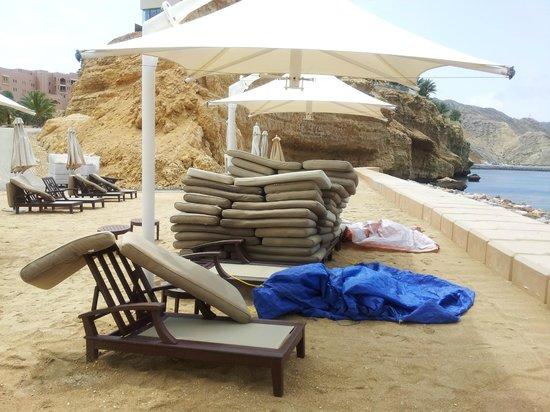 Shangri La Barr Al Jissah Resort & Spa-Al Husn: not exactly a five-star-view as you would expect it!
