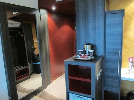 Mercure Lyon Centre - Gare Part Dieu : Deluxe room