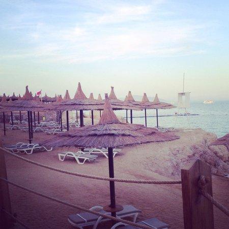 Royal Grand Sharm Hotel: The private beach