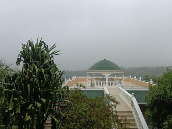 Lingganay Boracay Hotel Resort : из номера в плохую погоду