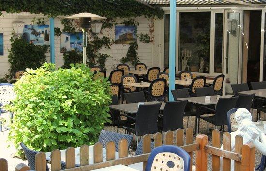 Taverna Kronos: Sommergarten
