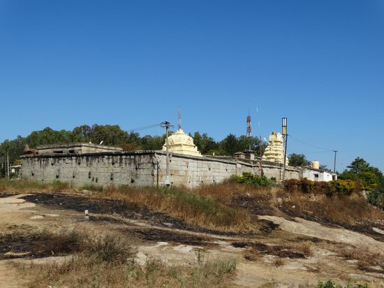 Nandi Hills: Temple on the top