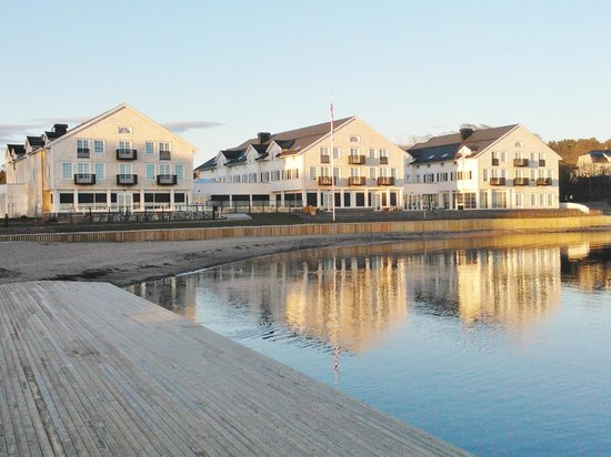 Stotvig Hotel : Hotellet sett fra sjøsiden