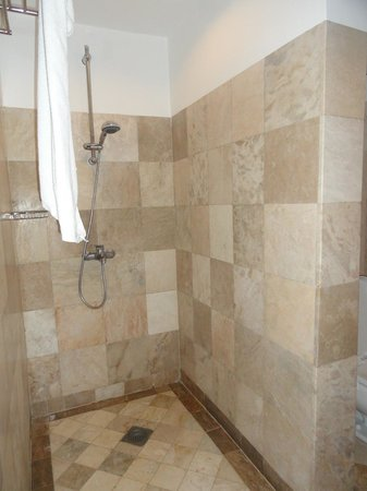 Sea Dream Resorts: Shower