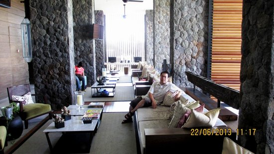 Four Points by Sheraton Bali, Seminyak : Very cozy lobby lounge
