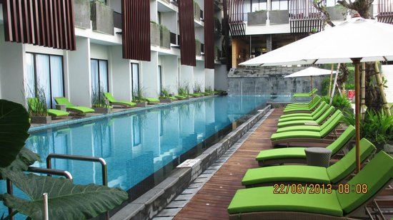 Four Points by Sheraton Bali, Seminyak: Pool side lounge