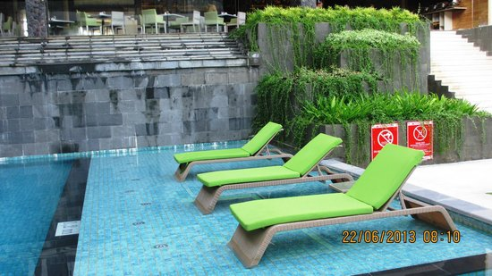 Four Points by Sheraton Bali, Seminyak: Over water lounge