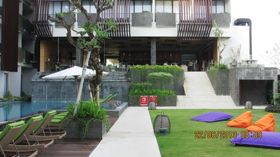 Four Points by Sheraton Bali, Seminyak: On the way to have breakfast