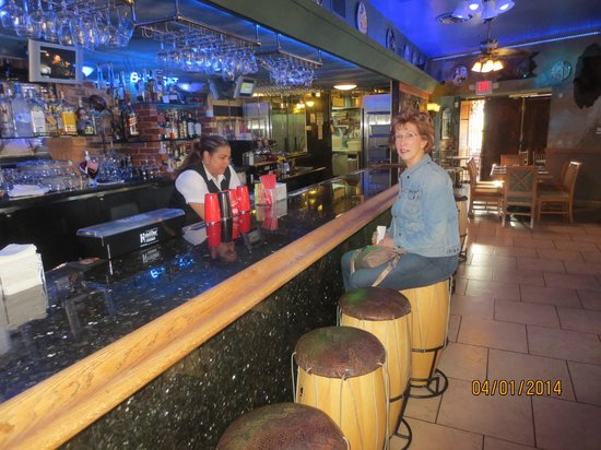 Florida Cafe Cuban Restaurant: bar