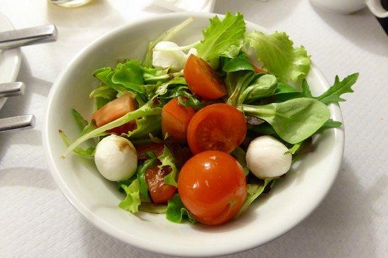 Smart Hotel Milano Centrale: 朝食で自分で作ったサラダ
