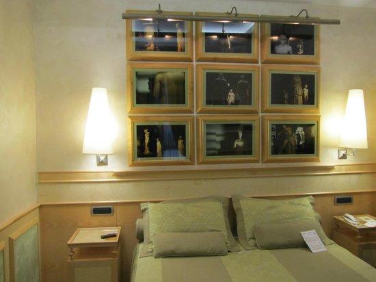 The Britannia Hotel : Our Beautiful Room- No. 201