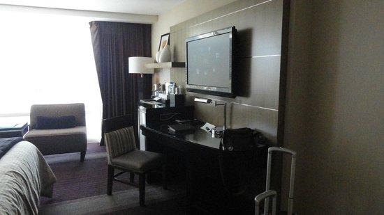 ARIA Resort & Casino: Bedroom - TV
