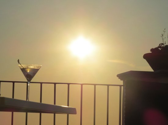 Tenuta del Poggio Antico : днём на балконе