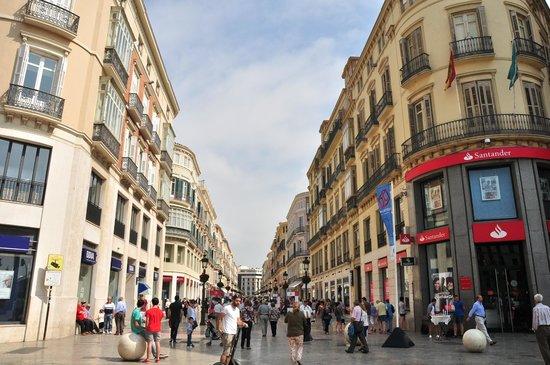 Puerto de Málaga : Calle Larios shopping perfection.