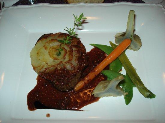 L'Armandine : Filet de boeuf, sauce moutarde de meaux, artichaud barigoule et légumes de saison