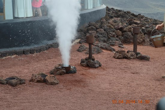 Parque Nacional de Timanfaya: near the restaurant