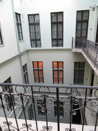 Entre Amis Apartments Budapest: Entre Amis Boutique - court yard view