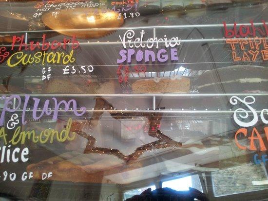 Aroma Cafe: Cake choices