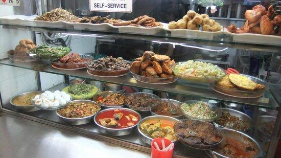 Geylang Serai New Market : よりどりみどり