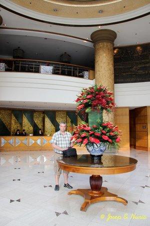 New World Saigon Hotel: Entrada al hotel - At the hall