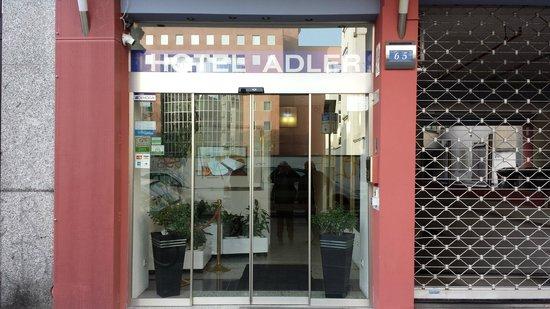 Hotel Adler: facciata hotel