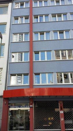 Hotel Adler : facciata hotel