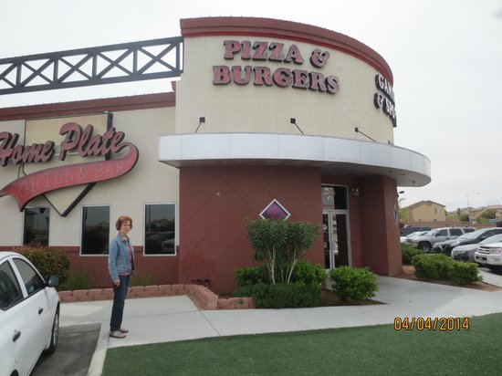Home Plate Grill & Bar: exterior