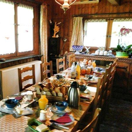 Chalet Orée du Bois : breakfast