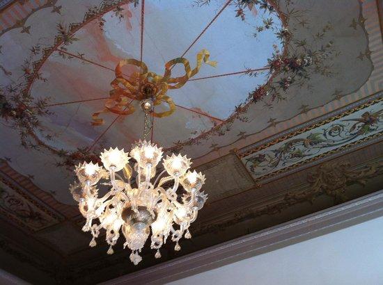 Hotel Sant'Antonin: Painted ceiling