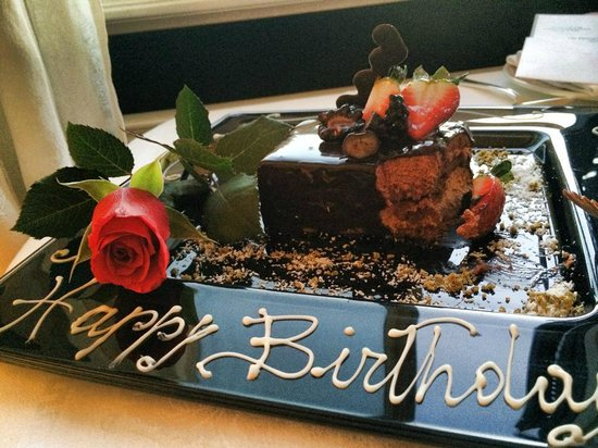 Hotel Hassler : Delicious complimentary birthday cake
