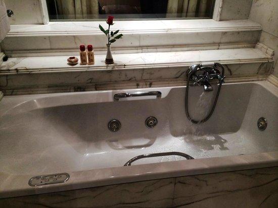 Hotel Hassler : Bath