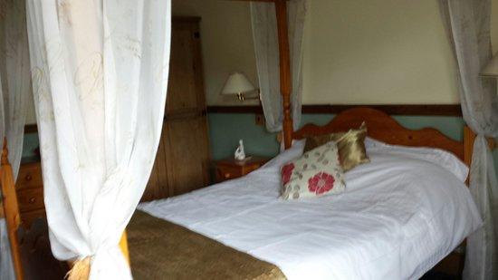 Mortimers Cross Inn: Our room