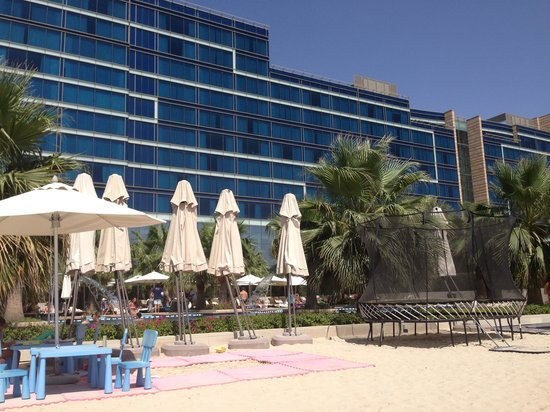Fairmont Bab Al Bahr: Swimming pool