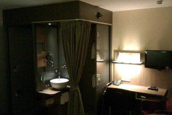 Boutique Hotel Stadthalle: Einzelzimmer mit idealem Singelbad