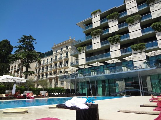 Kempinski Palace Portoroz: view from pool area