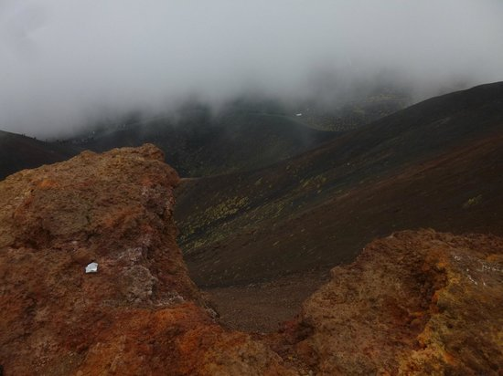 Etna Experience Excursions: The different lava colours