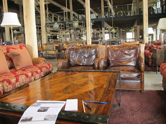 The Singular Patagonia : bar and sitting area dining in back ground