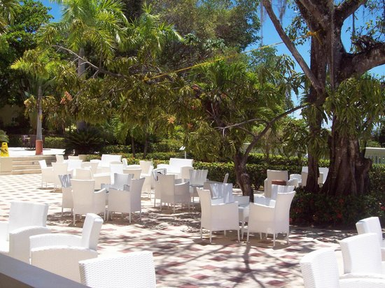 Luxury Bahia Principe Cayo Levantado Don Pablo Collection : Terrasse pour relaxer