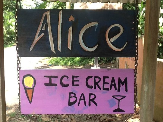 Alice Restaurante y Bar: Sign