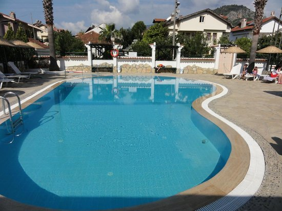 Beyaz Villas: the excellent pool area