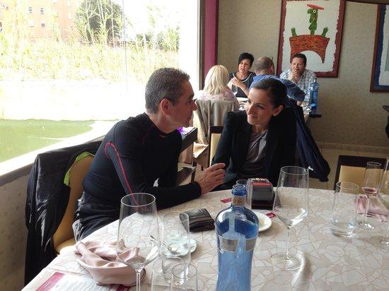 Pau Restaurant : Charlando con Mamen